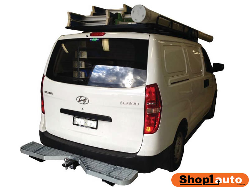 Hyundai iLoad rear step towbar